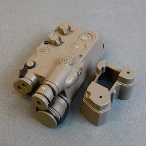 AN/PEQ-16 Battery Case / TAN